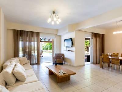 Gennadi Luxury Villa with Pr. Pool