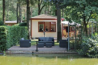 Chalet aan het water op Bospark in Doornspijk