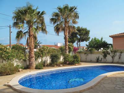 Ferienhaus mit Pool (MPL305)