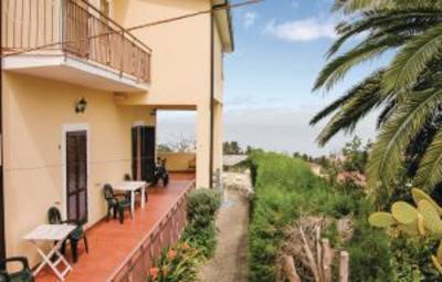 Vakantiehuis In S. Domenica Di Ricadi (Ikk147)