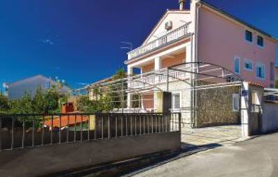 Vakantiehuis In Vodice (Cdj003)
