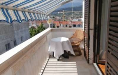 Vakantiehuis In Split-Podstrana (Cde279)