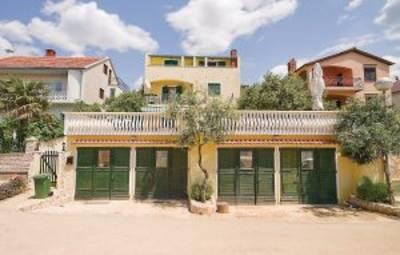 Vakantiehuis In Biograd-Sv.Petar (Cdn689)