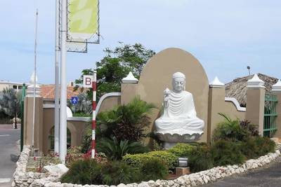 Mambo Beach Boeddha Resort