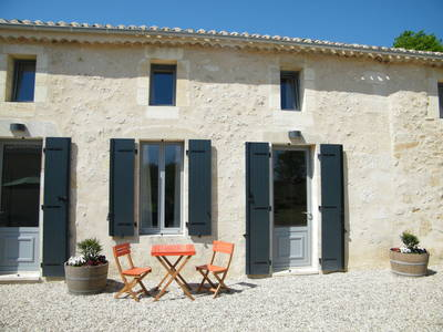 Clos Vieux Rochers Vineyard & Gites 3 The Courtyard