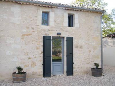 Clos Vieux Rochers Vineyard ; Gite 4 The Courtyard