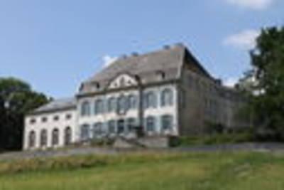 Chateau Des Deux Etangs 36 Pers