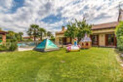 Prachtig vakantiehuis in Zelarino (Venezia ) met zwembad