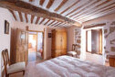 Karakteristiek vakantiehuis in Llano de Bureba in de natuur