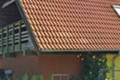 Rustiek vakantiehuis in Aakirkeby op een natuurgebied