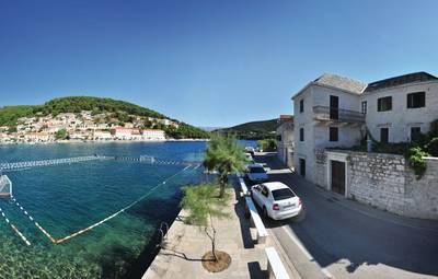 Vakantiehuis In Brac-Pucisca (Cdb244)