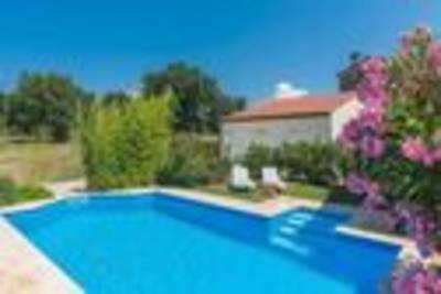 Apartment Irena V With Pool - Mali Maj