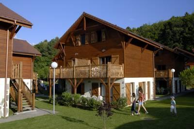 Evian 3p6 lake side in Evian les Bains - Rhone Alpen, Frankrijk foto 659736