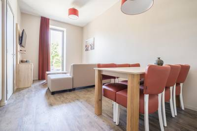 Deluxe Holiday Suite for 2 adults and 3 children