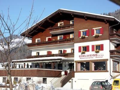 Chalet Edelweiss am See Combi, 5 apt. incl. gezamenlijke keuken en eetruimte - 30-35 personen