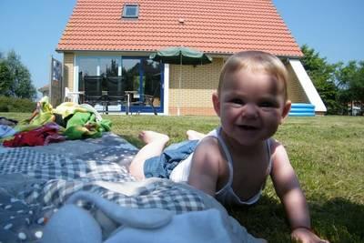 Kindervilla (7 volwassenen & 1 klein kind)
